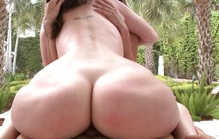 Kelly Divine takes her friend on some sucking by pool