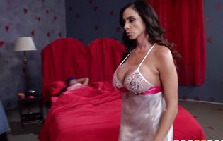 Hot Ariella Ferrera ties a hot guy to a bed